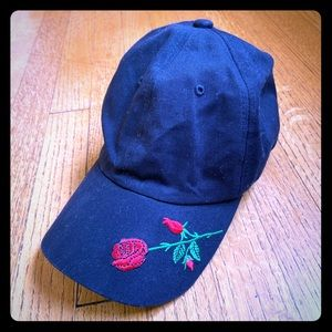 black forever 21 hat with roses